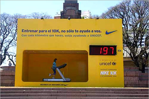 Amazing-outdoor-advertising-lycodonfx (12)